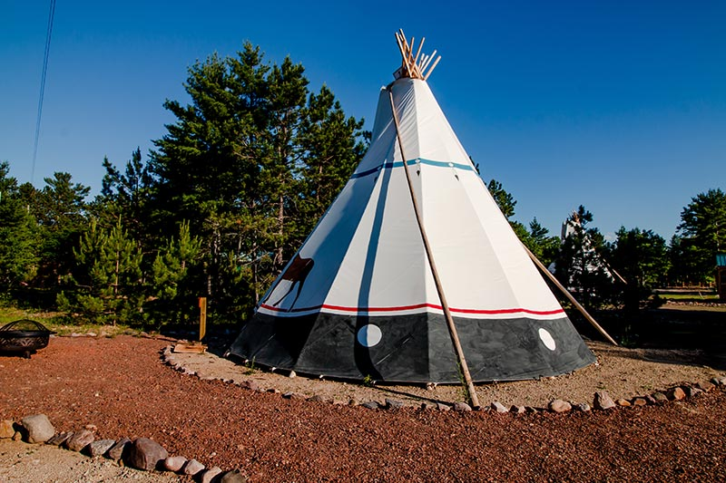 au-train-beach-tipi
