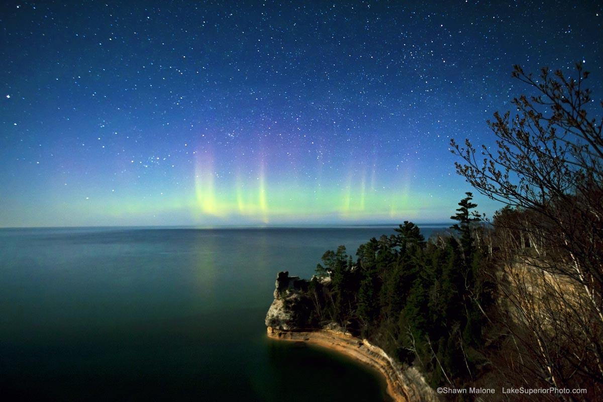 aurora-borealis-northern-lights-miners-castle